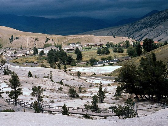 mammoth hot springs photo gallery